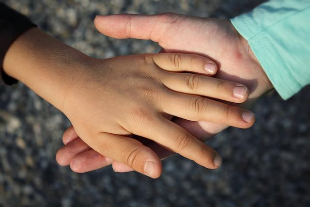 segítő kezek